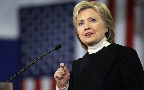 FBI khong thay doi ket luan vu be boi thu dien tu cua ba Clinton - Anh 1