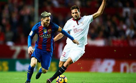Cham diem Sevilla 1-2 Barca: Messi che mo tat ca - Anh 1