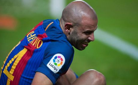 Cham diem Sevilla 1-2 Barca: Messi che mo tat ca - Anh 5