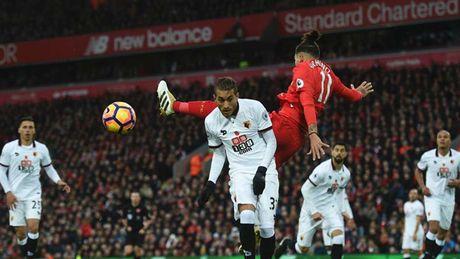 Alexis Sanchez 'muoi mat' cung doi hinh te nhat vong 11 Premier League - Anh 9