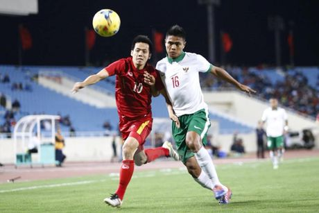 Video truc tiep Viet Nam - Indonesia 3-2: Cong Phuong lap cong - Anh 1