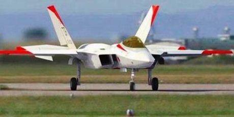 Tran chien may bay khoc liet giua J-20 va ATD-X - Anh 2