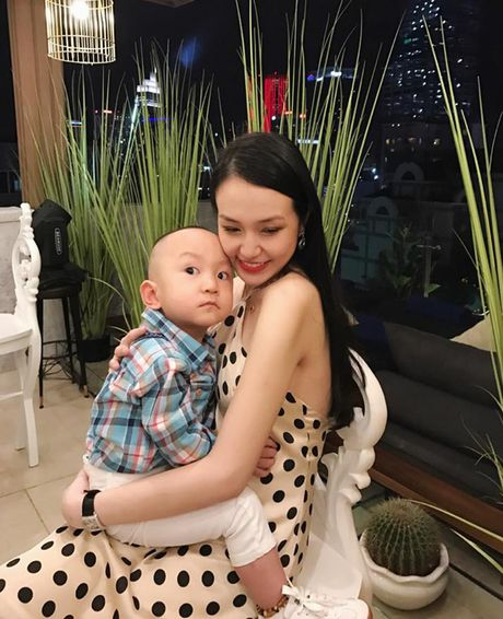 Choang voi ve mon mon cua vo Tuan Hung khi mang bau - Anh 18