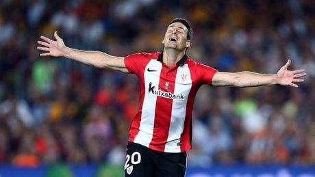 Messi, Suarez bay cao, Bale duoi kip Ronaldo trong cuoc dua Pichichi - Anh 6