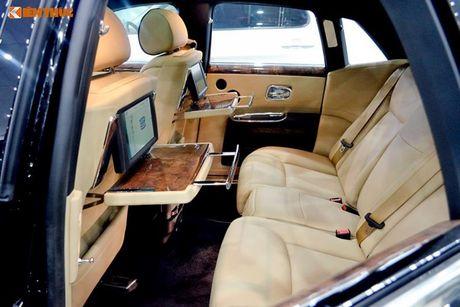 Ly Nha Ky ngoi sieu xe sang Rolls-Royce 40 ty du su kien - Anh 9