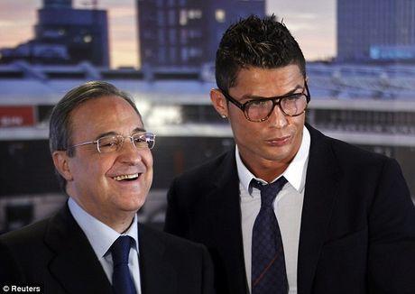 Ronaldo ky hop dong moi, huong luong cao nhat the gioi - Anh 1