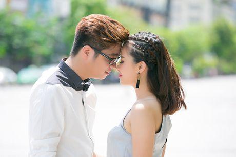 """Bui Anh Tuan """"tinh tu"""" ben Duong Hoang Yen trong single moi - Anh 2"""