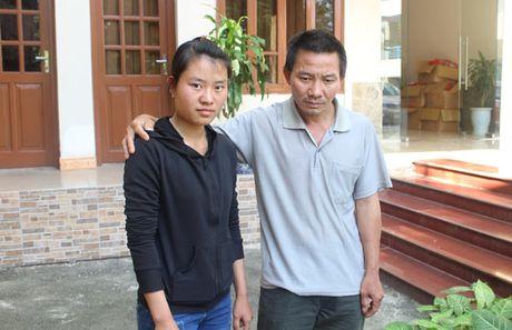 De nghi Truong Dai hoc Luat Ha Noi tiep nhan thi sinh Dang Thi Huyen - Anh 1