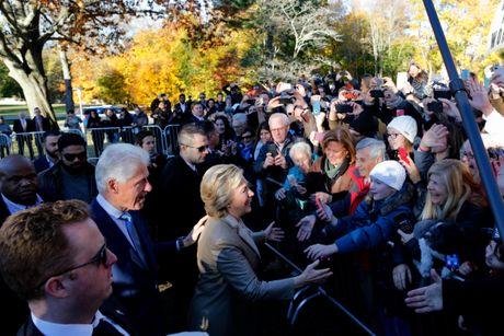 Ba Clinton rang ro bo phieu tai New York - Anh 1