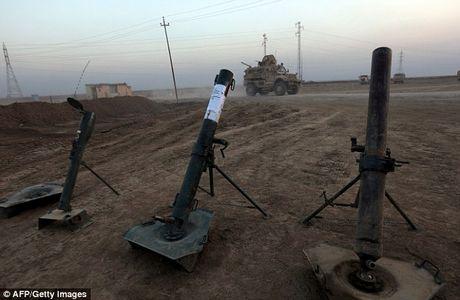 IS dien cuong tan sat 100 dan thuong khi thao chay o Mosul - Anh 11