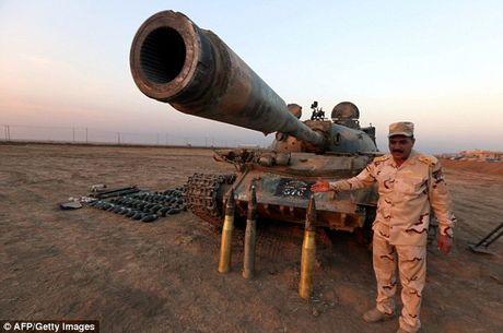IS dien cuong tan sat 100 dan thuong khi thao chay o Mosul - Anh 12