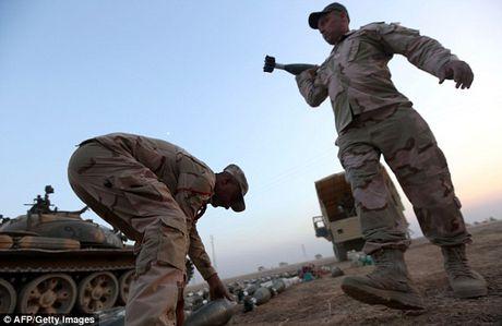 IS dien cuong tan sat 100 dan thuong khi thao chay o Mosul - Anh 13