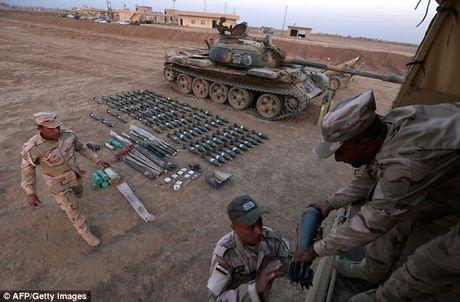 IS dien cuong tan sat 100 dan thuong khi thao chay o Mosul - Anh 16