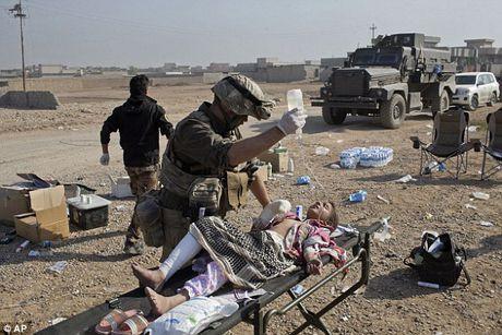 IS dien cuong tan sat 100 dan thuong khi thao chay o Mosul - Anh 1