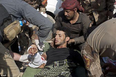IS dien cuong tan sat 100 dan thuong khi thao chay o Mosul - Anh 6