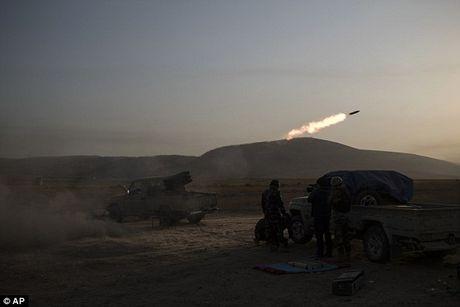 IS dien cuong tan sat 100 dan thuong khi thao chay o Mosul - Anh 9