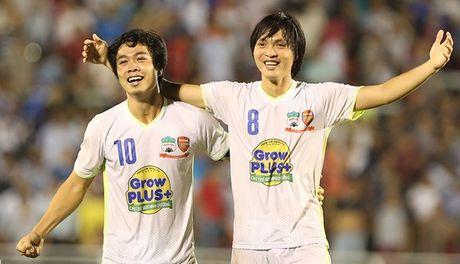 Bau Duc len tieng, xong chuyen tuong lai Tuan Anh, Cong Phuong - Anh 1