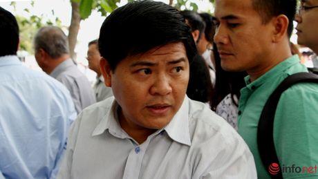 TP.HCM: Canh cao nguyen Chu tich UBND huyen Hoc Mon Le Tuan Tai - Anh 1