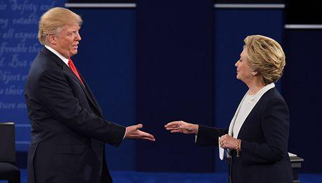 Chuyen gia My: Viec luan toi ba Hillary Clinton kho thanh cong - Anh 1