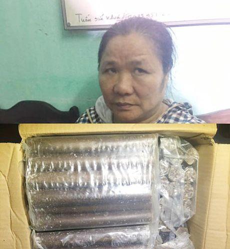 Bat qua tang doi tuong buon ban gan 300 kg thuoc no - Anh 2