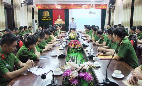 Trao thuong Ban chuyen an pha vu danh bac tien ty - Anh 1