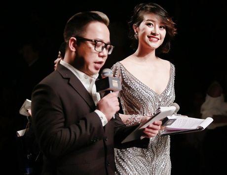 """MC VTV Phi Linh: Tu A quan Cau vong den MC gay """"bao"""" nhat tuan qua - Anh 1"""