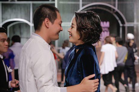 """MC VTV Phi Linh: Tu A quan Cau vong den MC gay """"bao"""" nhat tuan qua - Anh 8"""