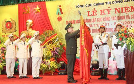 Phan thuong cao quy danh cho Cuc Cong tac dang va cong tac quan chung - Anh 1