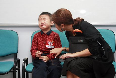 Van Hugo do danh con trai chon dong nguoi - Anh 4