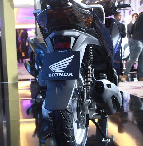 Them phanh ABS, Honda SH 150 ban moi 'chot gia' 90 trieu dong - Anh 4