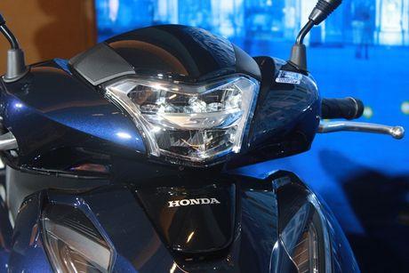 Them phanh ABS, Honda SH 150 ban moi 'chot gia' 90 trieu dong - Anh 5