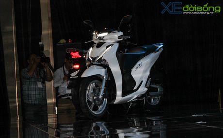 Honda Viet Nam lan dau ra mat SH phanh ABS gia tu 76 trieu dong - Anh 2
