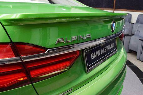 Mat mat voi sieu sedan BMW Alpina B7 2017 mau Java Green - Anh 14