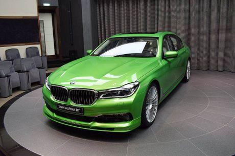 Mat mat voi sieu sedan BMW Alpina B7 2017 mau Java Green - Anh 1
