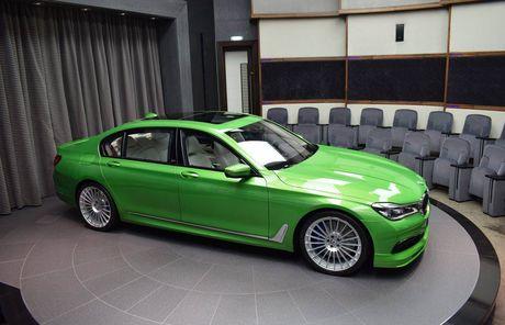 Mat mat voi sieu sedan BMW Alpina B7 2017 mau Java Green - Anh 3