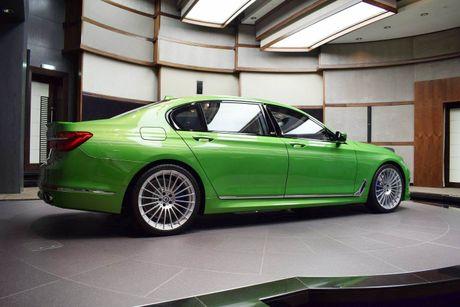 Mat mat voi sieu sedan BMW Alpina B7 2017 mau Java Green - Anh 4