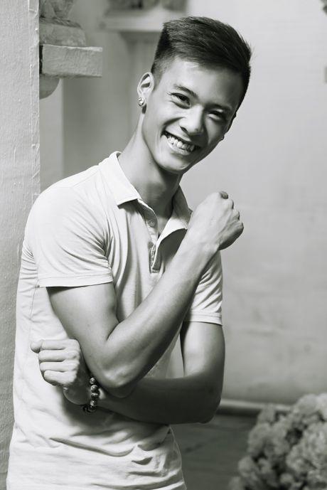 Cong dong mang thuong tiec chang trai Dat Co qua doi - Anh 2