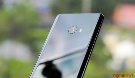 Tren tay Xiaomi Mi Note 2 ban Jet Black vua 'cap ben' - Anh 10