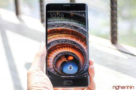 Tren tay Xiaomi Mi Note 2 ban Jet Black vua 'cap ben' - Anh 11