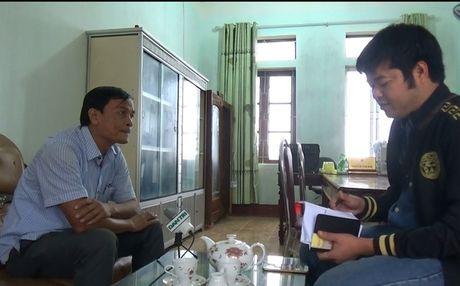 Beu ten hoc sinh tren loa phong thanh xa vi phu huynh khong dong phi - Anh 4
