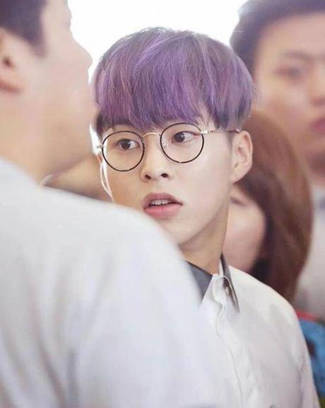 Loat sao Han phat cuong voi kinh gong tron 'ngo, cute' - Anh 11