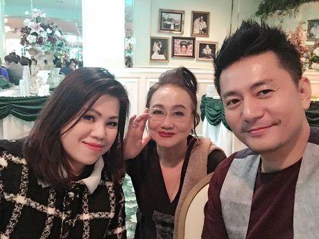 Sao Viet ron rang du hon le dong tinh cua ca si hai ngoai Chau Tuan - Anh 4