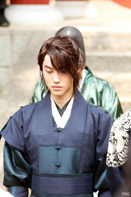Kim Yoo Jung lua chon ai giua Park Bo Gum, Jinyoung va Kwak Dong Yeon? - Anh 3