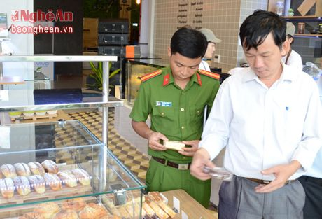 Phat dong phong trao nguoi dan to giac hanh vi san xuat, kinh doanh thuc pham ban - Anh 2