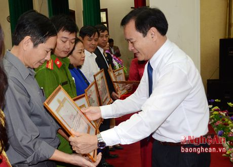 Phat dong phong trao nguoi dan to giac hanh vi san xuat, kinh doanh thuc pham ban - Anh 4