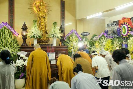 Vinh biet 'cay dai thu' cua lang cai luong Ut Bach Lan! - Anh 51
