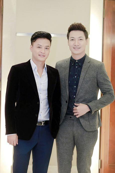 Sau 'Zippo mu tat va em', La Thanh Huyen lai tay trong tay ben Hong Dang va Manh Truong - Anh 6