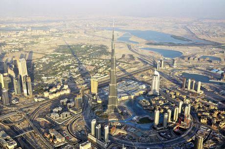 Khoanh khac hoanh trang dep kho tin cua Dubai nhin tu tren cao - Anh 9
