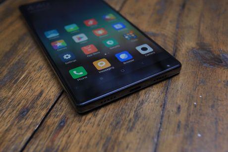 Xiaomi Mi Mix man hinh khong vien, vat lieu gom, gia 17,9 trieu dong - Anh 11