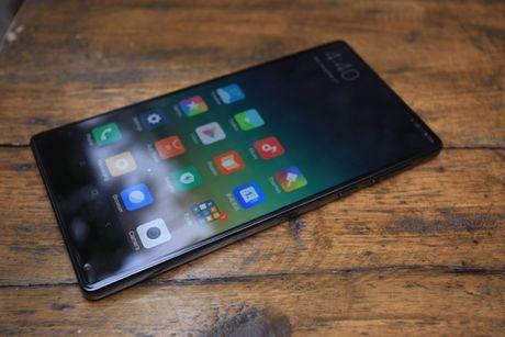 Xiaomi Mi Mix man hinh khong vien, vat lieu gom, gia 17,9 trieu dong - Anh 12